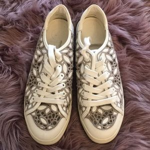Brand New Tory Burch Floral Sneakers Shoes 9.5